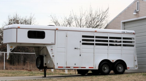 CM 3 horse stock combination trailer. Goose neck